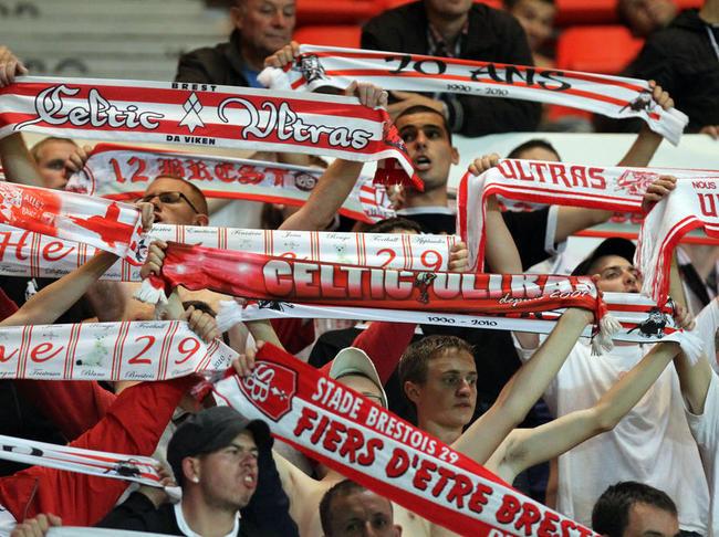 VA-Brest-supporters_full_diapos_large
