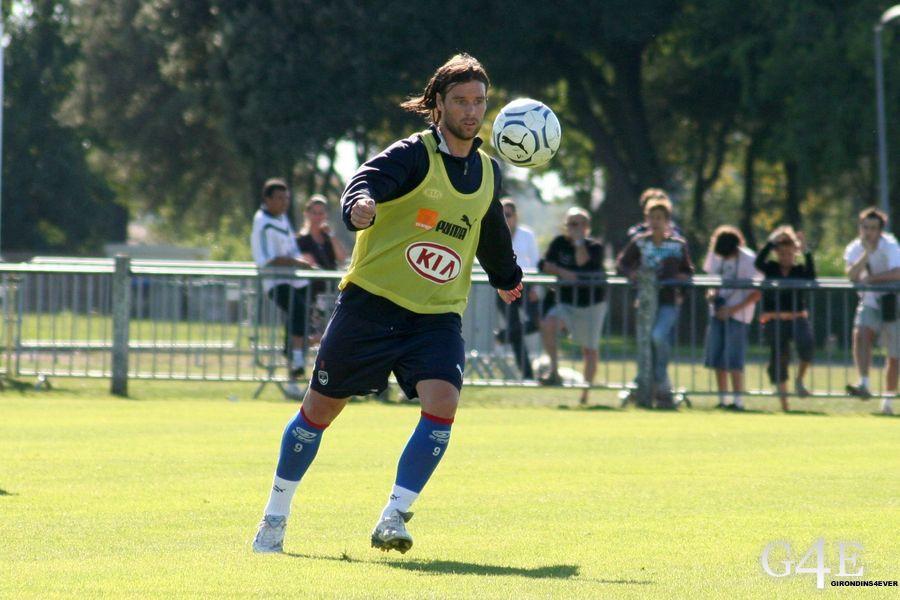 Fernando Cavenaghi Bordeaux action