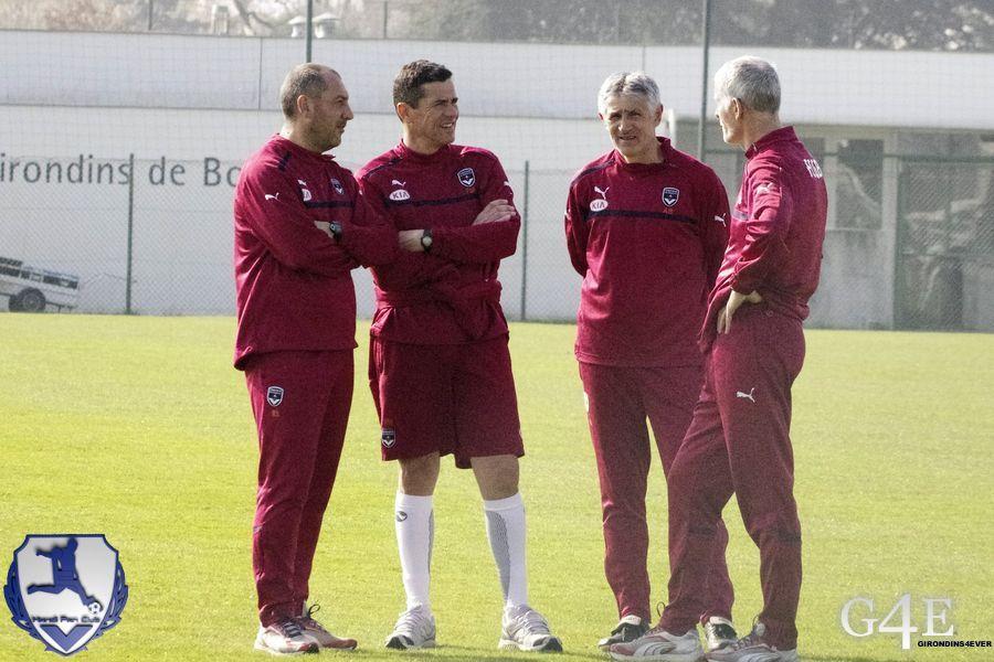 Staff technique en pleine discussion (Bénédet, Lobello, Mantaux et Gillot)