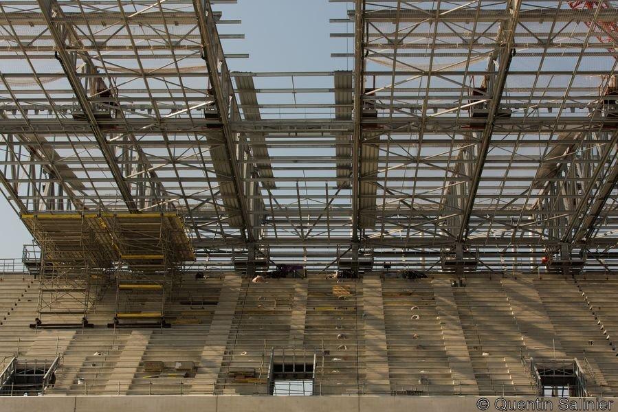 Chantier stade, toiture, vue d'en dessous