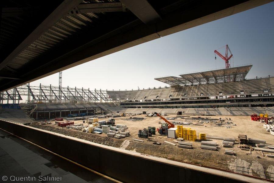 Chantier stade, vue sur la toiture depuis la tribune Est