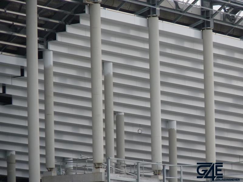 Chantier stade – Bardage tribune Est