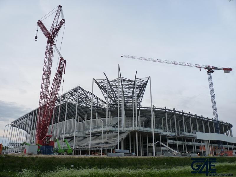 Chantier stade – plan large latérale Sud-Ouest