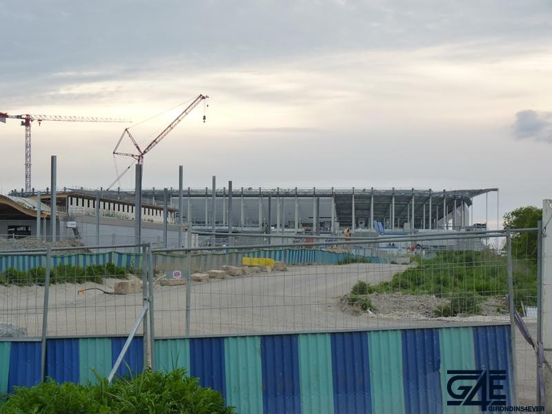 Chantier stade – vue Est avec gare tramway