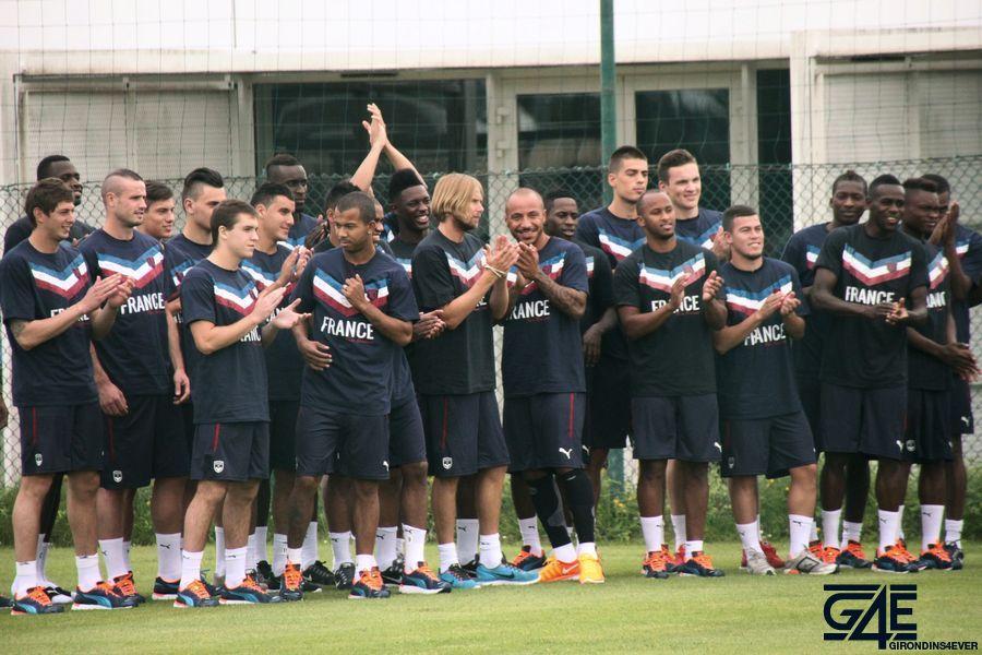 Groupe, soutien Equipe de France