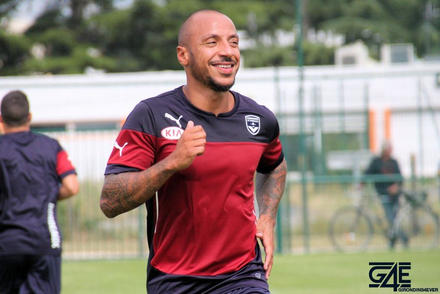 Faubert souriant, reprise