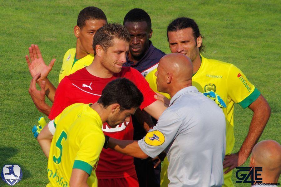 Cédric Carrasso et l'arbitre Bordeaux-Nantes