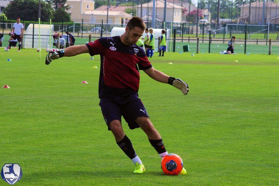 Gabriel Barrière dégage le ballon