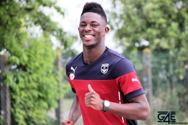 Grand sourire de Hadi Sacko, footing
