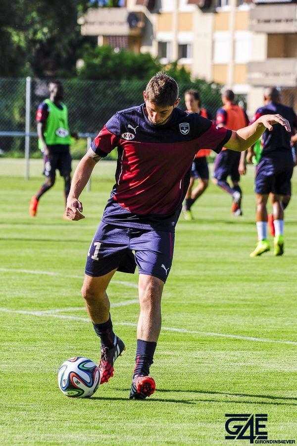 Emiliano Sala avec ballon