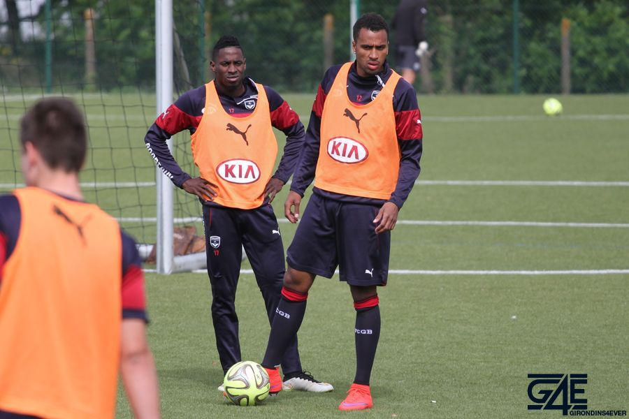 Isaac Kiese Thelin et André Poko
