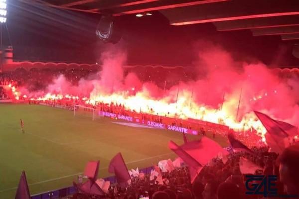 Fumigènes après match stade Chaban Delmas (1)