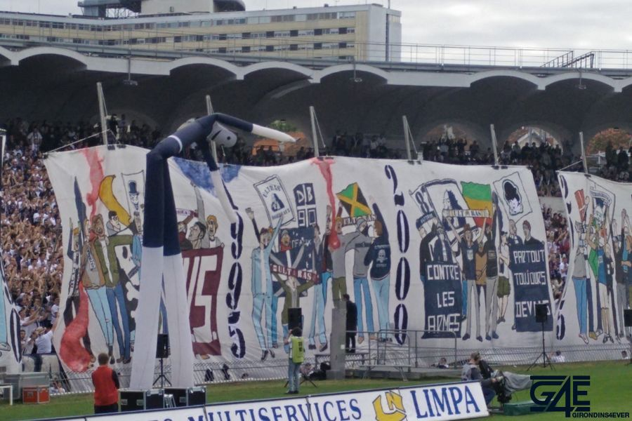 Tifos Stade Chaban Delmas (9)