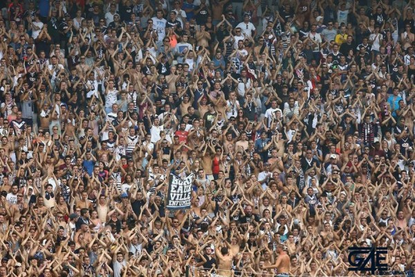 Supporters fans virage sud stade girondins iconsport