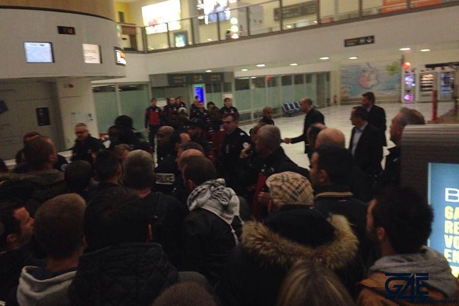 Arrivée joueurs après Gazelec aéroport (1)
