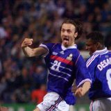 dugarry-of-france-celebrates-goal-with-team_4897209