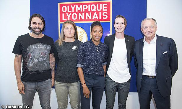 feminines-peyraud-magnin-laurent-et-bruneau-rejoignent-l-ol-bacha-signe-un-premier-contrat-professionnel-31396_35