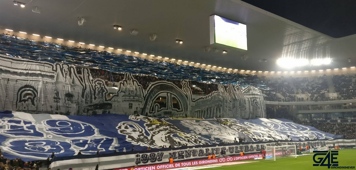 Tifos Ultramarines 30 ans supporters (7)