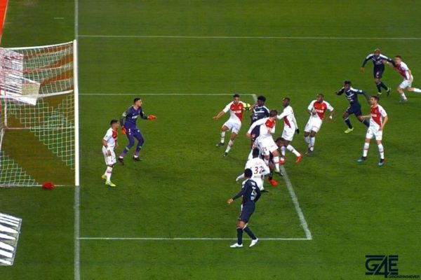 Penalty, main Falcao