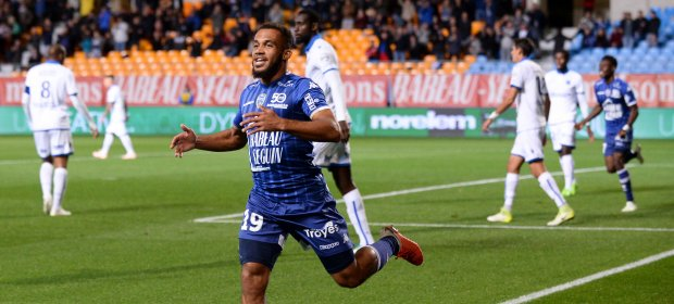 1819-Mbeumo-troyes-joie-but-auxerre
