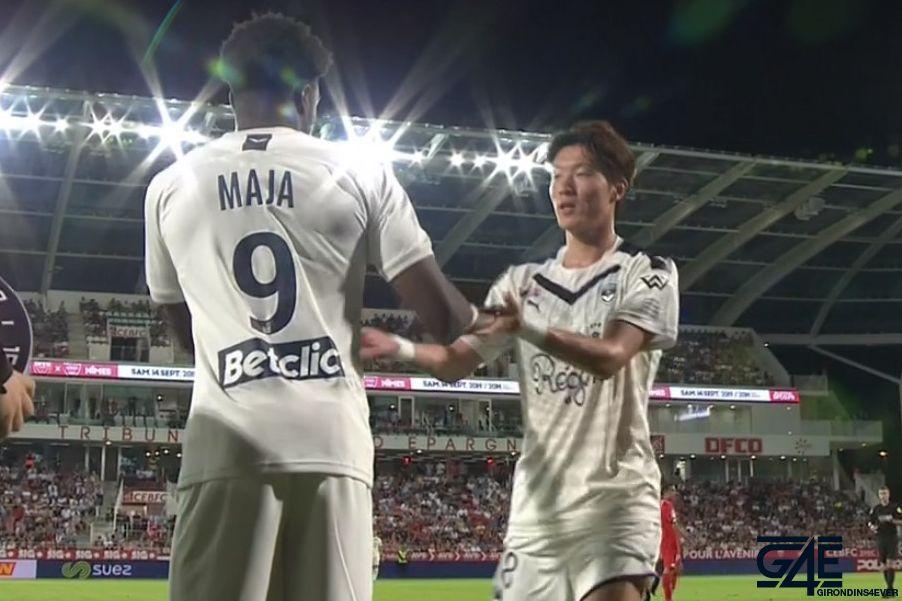 Hwang Ui-Jo et Josh Maja