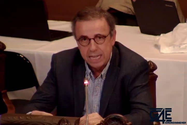 Le futur maire de Bordeaux demande le départ du président Longuépée